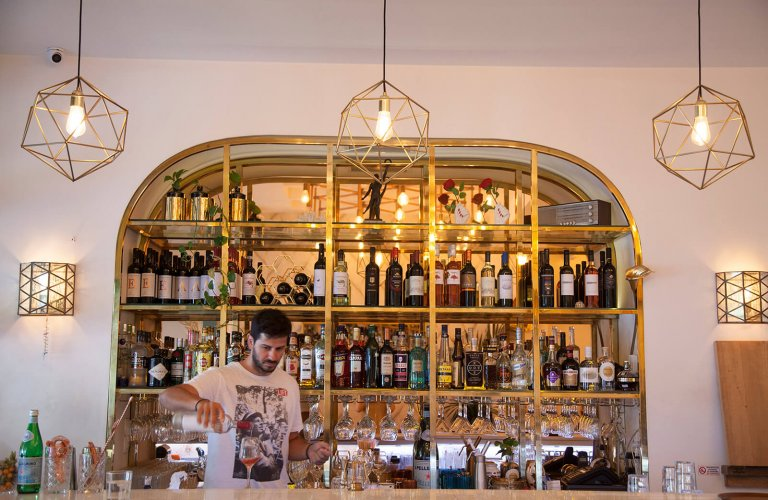 The bar at Tre Sorelle in Athens.